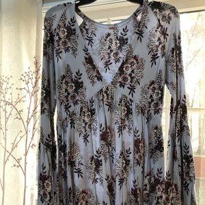 Free People Tops - Bell sleeve floral top
